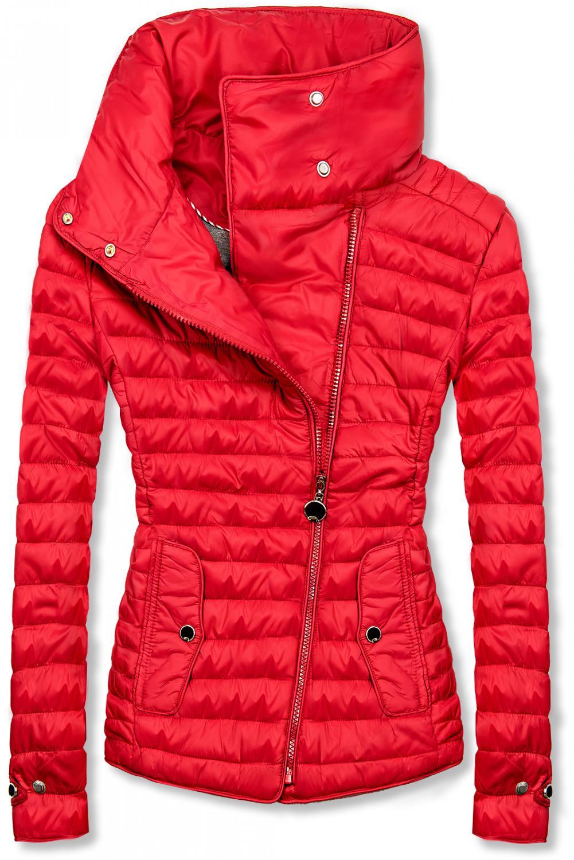 Červená prošívaná jarní bunda